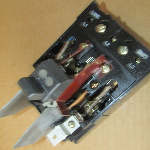 General Electric THMS31 QMR Switch 3 Pole 30 Amp 600VAC Mod 2 - Used