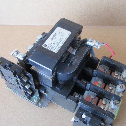 GE CR306F0** Size 4 Magnetic Starter 3 Pole 135A 115/120 Volts Coil - Used