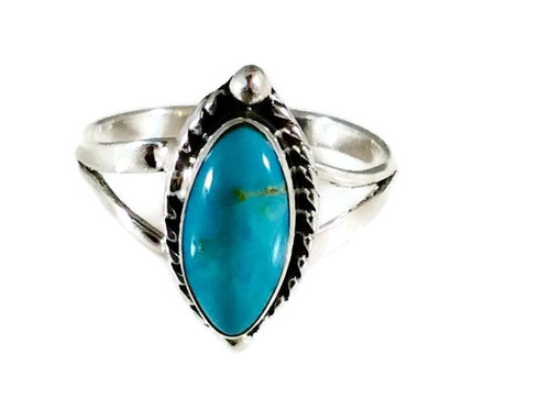 Kingman Turquoise Ring .925 Sterling Silver Artist: Betty Begay
