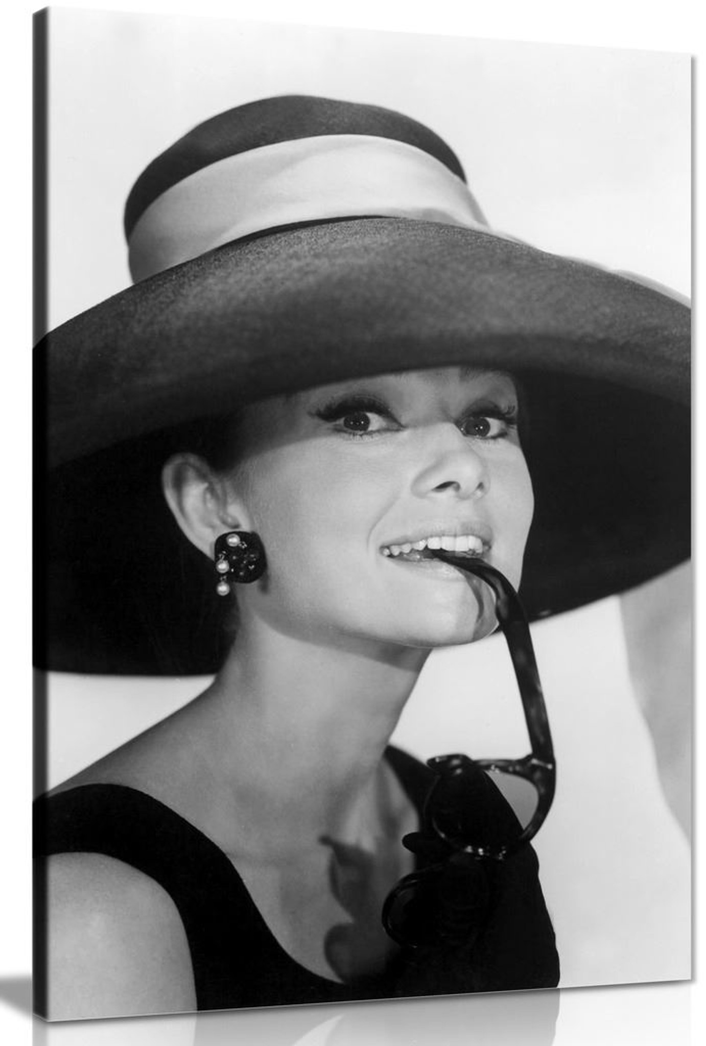 Audrey Hepburn With Sunglasses Black & White Canvas