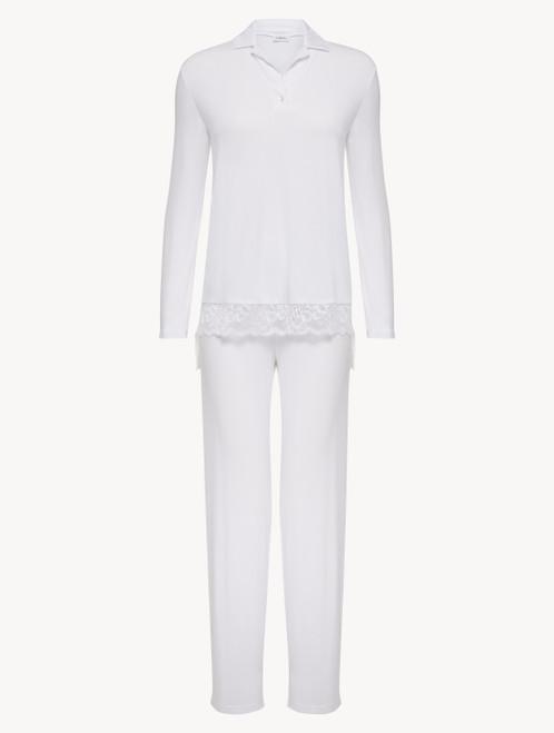 Langer Pyjama in Weiß aus Modal mit Stretch und Leavers-Spitze