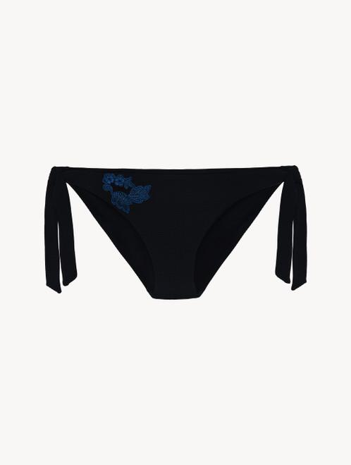 Bikinislip in Schwarz mit Bändchen und Stickereien in Dunkelblau