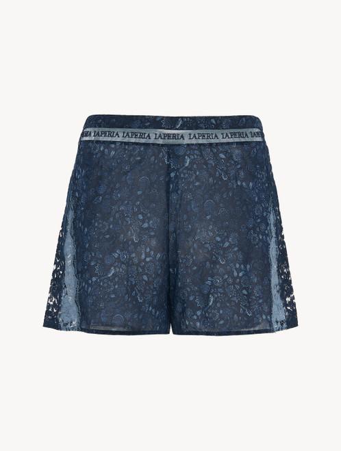 Shorts in Blau aus Seidensatin und Leavers-Spitze