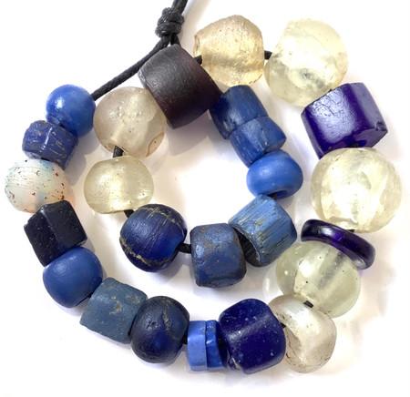 Mixed European Antique African Dogon Dutch glass trade beads [5023]