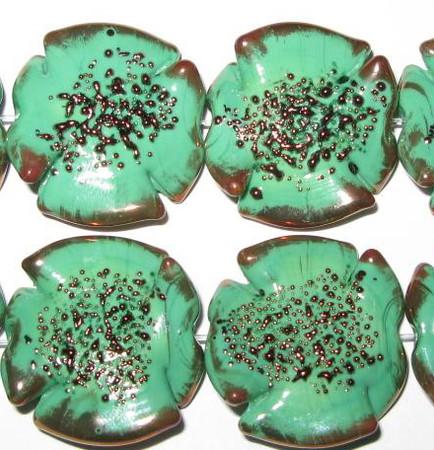 fine handmade Czech lamp Bohemian Green Florentine glass bead