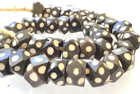 Beautiful Faceted Black and White Large Kenya batik Bone African trade Beads