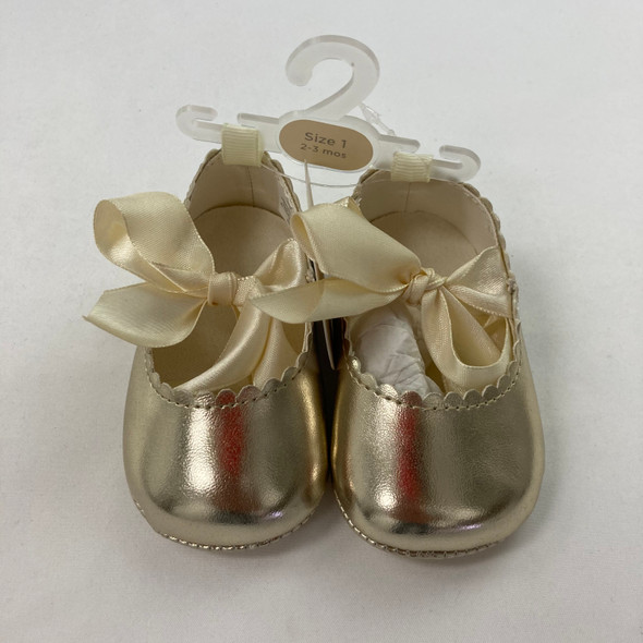 Gold Scallop Flats 2-3 mth