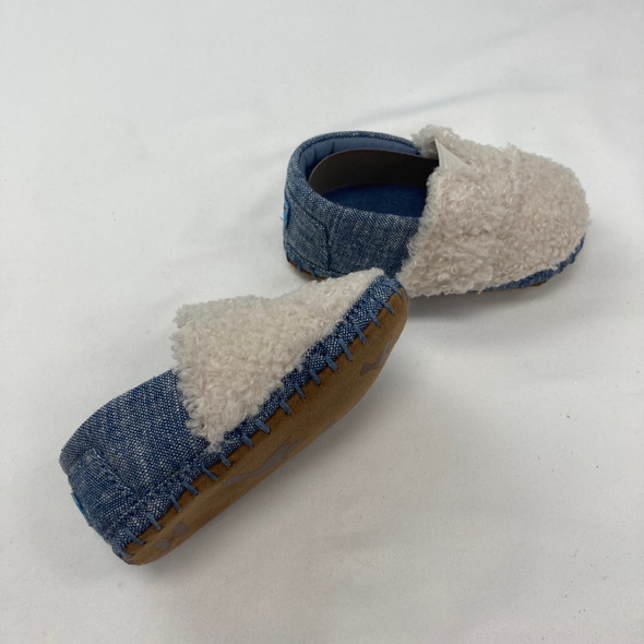 Fuzzy Slippers Size 4