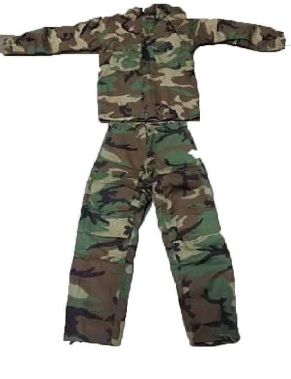 Youth Size Woodland Camo Suit, 19-23 waist