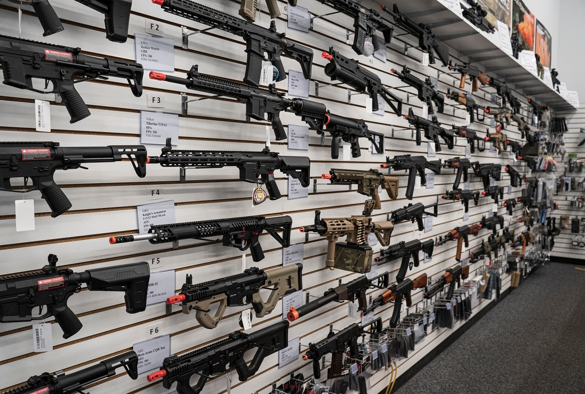 A wide selection of airsoft rifles