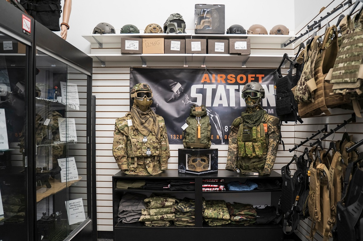 Airsoft kits and complete load outs