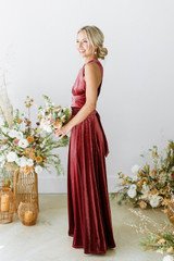 Model: Britt, Size: 4, Color: Romantic Rose
