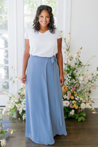 Model: Charisse, Size: XL, Color: White Pearl