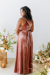 Model: Charisse, Size: 16, Color: Dusty Rose