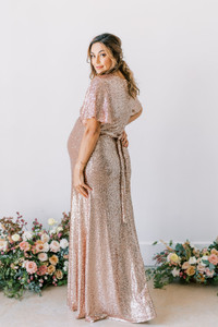 Model: Amanda, Size: Medium, Color: Rose Gold