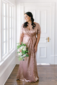 Model: Claudia; Size: 16, Color: Rose Gold Sequin