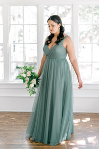 Model: Claudia; Size: 16; Color: Rosemary