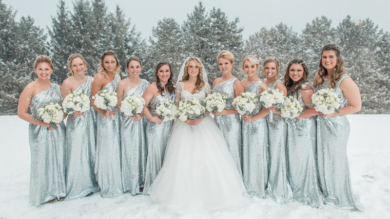 The 411 On How To Host The Perfect Holiday Wedding