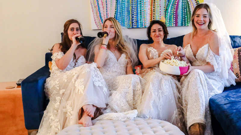 "This Wedding Dress-Filled ""Bachelor"" Watch Party Deserves All Of The First Impression Roses"