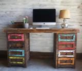 Colorido Desk