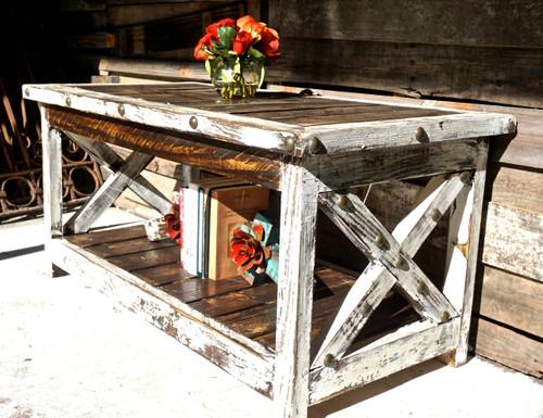 Xavier Mesa Coffee Table in White