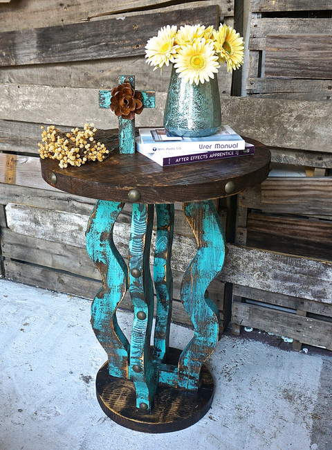 Loco Round Side Table in Turquoise
