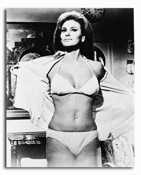 (SS222274) Raquel Welch  Fathom Movie Photo
