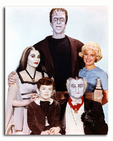 (SS288860) Cast   The Munsters Movie Photo