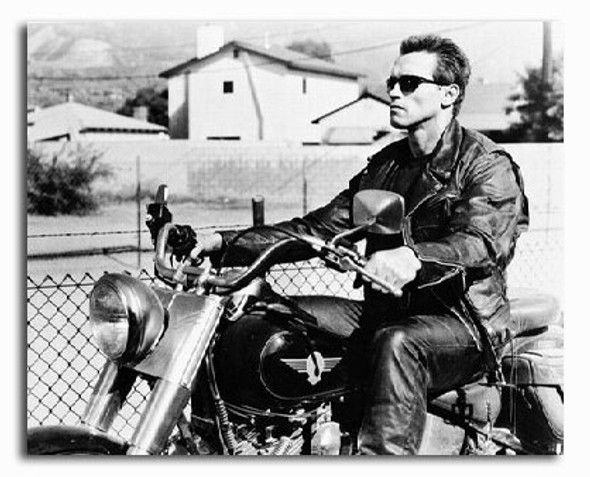 (SS2186925) Arnold Schwarzenegger  Terminator 2: Judgment Day Movie Photo
