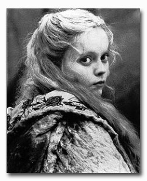 (SS2205320) Christina Ricci  Sleepy Hollow Movie Photo