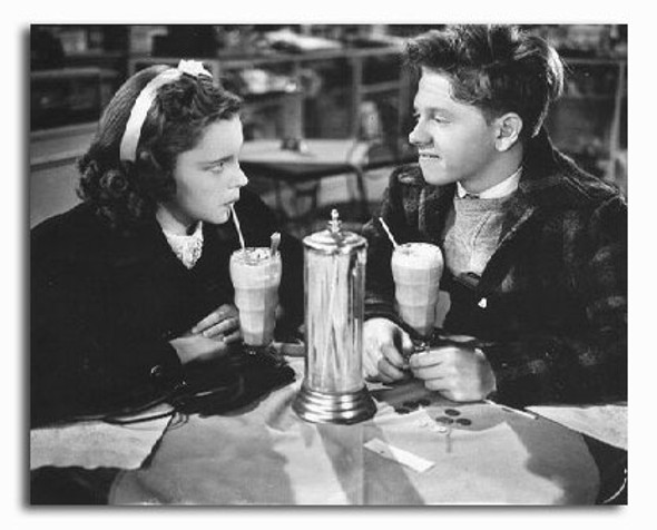 (SS2254811) Judy Garland  Love Finds Andy Hardy Movie Photo