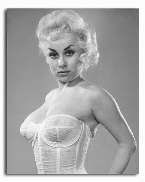 (SS2256553) Barbara Windsor Movie Photo