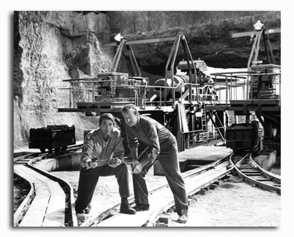 (SS2270333) Cast   The Guns of Navarone Movie Photo