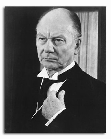(SS2280239) John Gielgud Movie Photo
