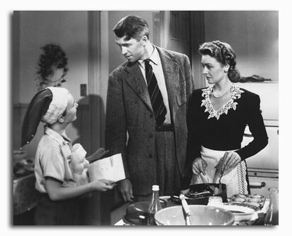 (SS2295267) Cast   It's a Wonderful Life Movie Photo