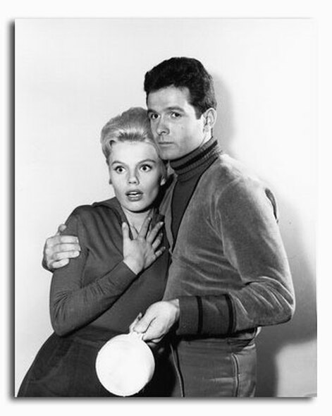 (SS2322736) Cast   Lost in Space Television Photo