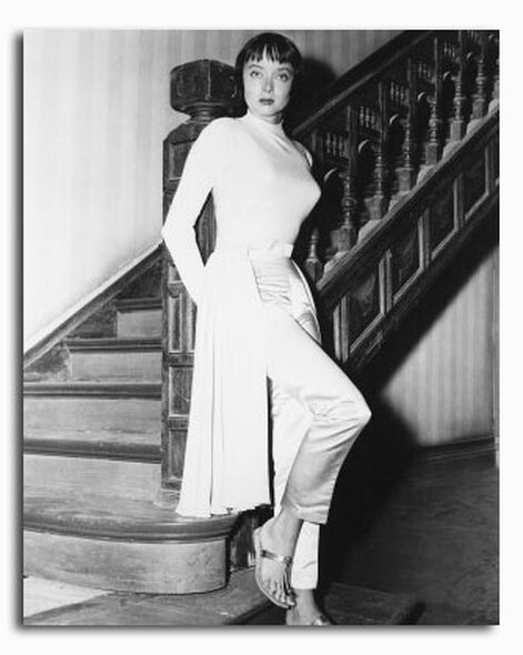 (SS2421029) Carolyn Jones Movie Photo