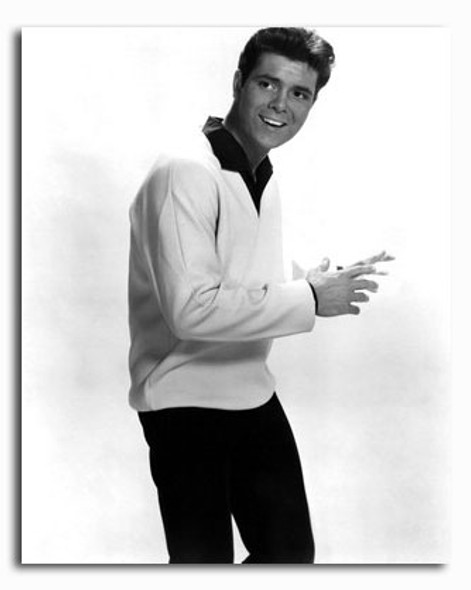 (SS2426970) Cliff Richard Music Photo