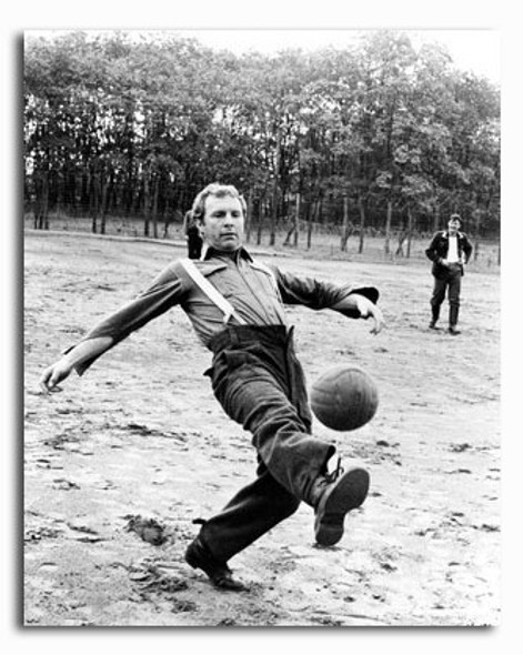 (SS2430545) Bobby Moore Sports Photo