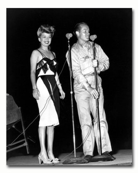 (SS2431936) Bob Hope Music Photo