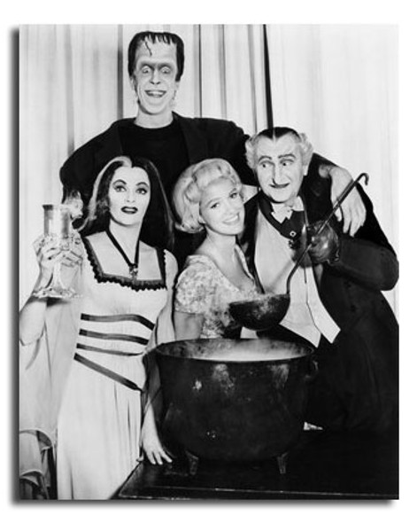 (SS2449668) Cast   The Munsters Movie Photo