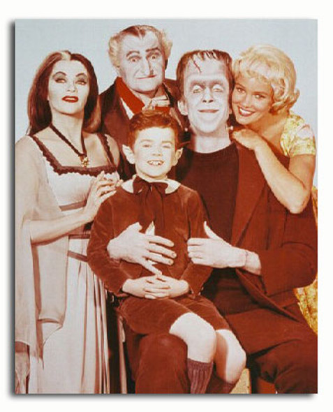 (SS3154437) Cast   The Munsters Movie Photo