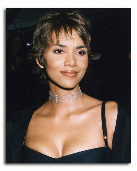 (SS3214094) Halle Berry Movie Photo