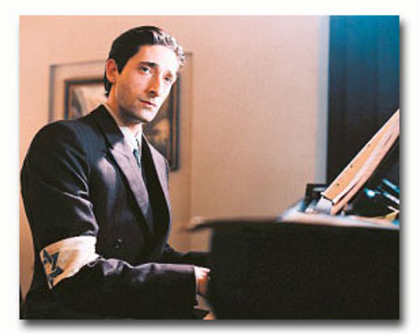 (SS3313921) Adrien Brody  The Pianist Movie Photo