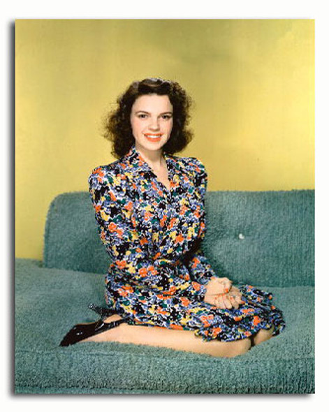(SS3314935) Judy Garland Movie Photo