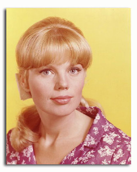 (SS3319381) Marta Kristen  Lost in Space Movie Photo