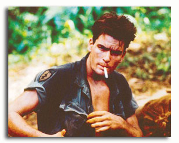 (SS3320785) Charlie Sheen  Platoon Movie Photo