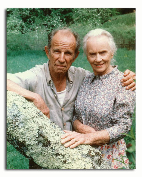 (SS3350243) Hume Cronyn, Jessica Tandy Movie Photo