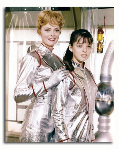 (SS3373643) Cast   Lost in Space Television Photo