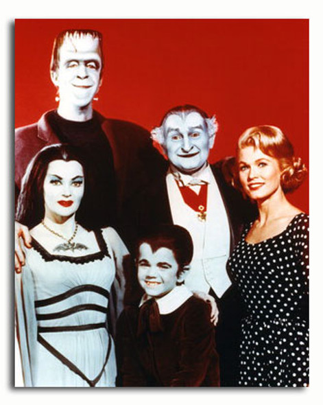 (SS3374007) Cast   The Munsters Movie Photo